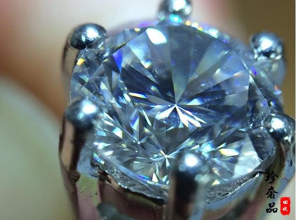 二手钻石耳钉回收时遇到莫桑石应该怎么鉴定真假