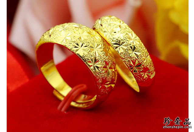 济南潮宏基黄金钻石戒指一般回收价钱怎么计算
